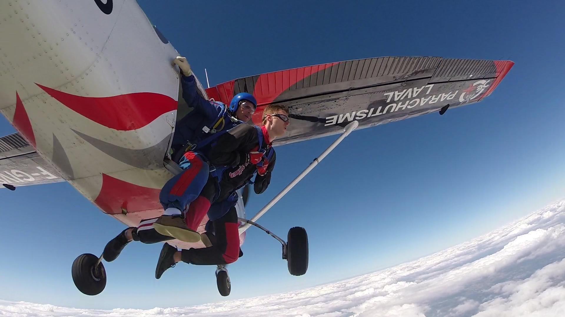 parachutisme 53